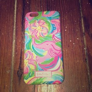 Hi I am selling a Lilly Pulitzer iPhone 6 case
